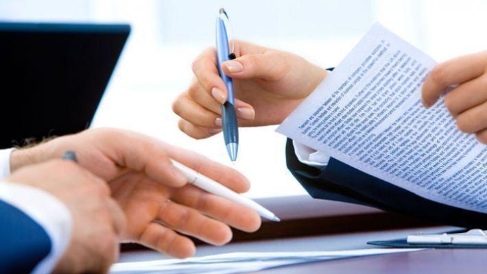社労士と顧問契約を結ぶメリット・費用・報酬相場|社会保険労務士に依頼できる仕事とは?