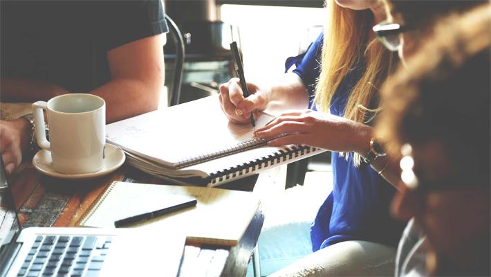 【サービス業必見】接遇研修のメリットや費用を解説