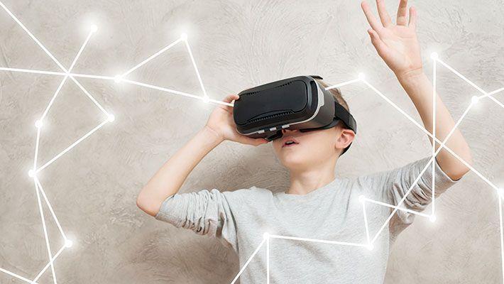 >VR制作の費用相場はいくら?【内製と外注で比較】
