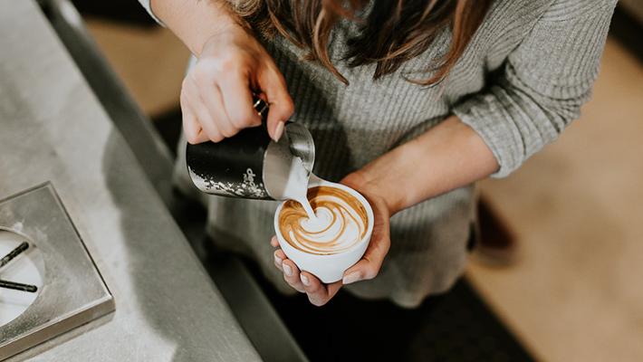 >カフェの開業資金はどのくらい必要?カフェ経営を成功させる重要ポイントは?