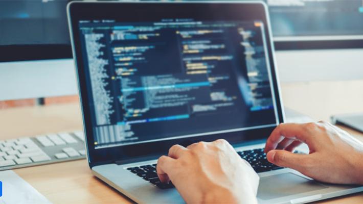 Python(パイソン)でどんなWebアプリが作成できる?注目のプログラミング言語を徹底解説