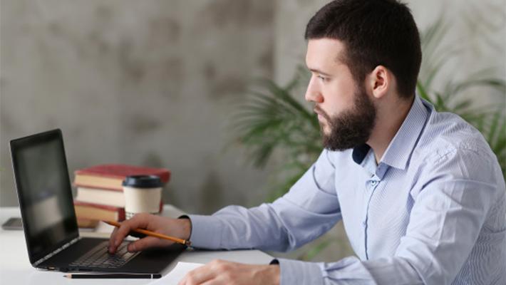 勤怠管理システムの作り方と注意点を現役エンジニアが解説