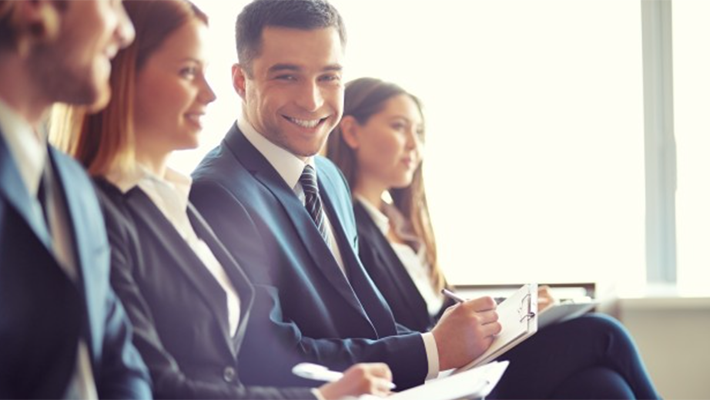 >中堅社員研修必要性や注意点、費用を紹介